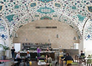"Vídeň: Architekturzentrum Wien - Café-Restaurant ""MILO"" v AzW Vídeň - foto: Hertha Hurnaus"