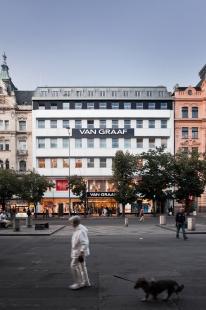 Alex Shoots Buildings - Studio Acht - Van Graaf